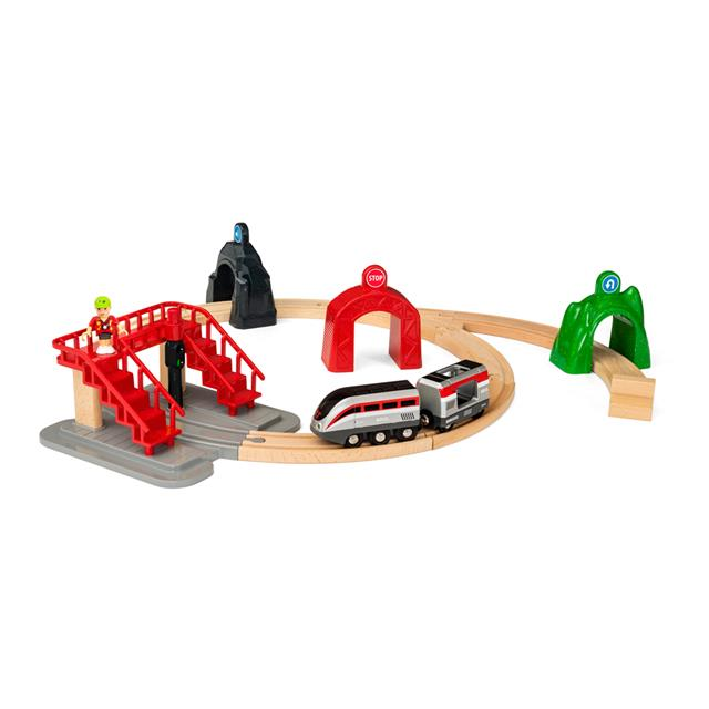 Brio SmartTech Engine Railway Set with Action Tunnels