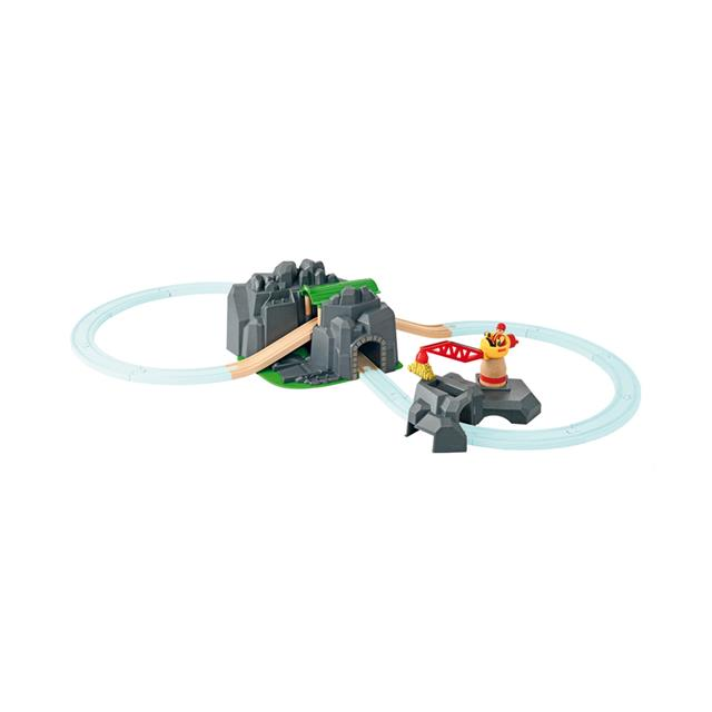BRIO® World Crane & Mountain Tunnel