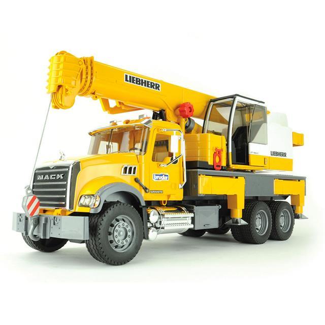 Bruder Mack Granite Crane Truck